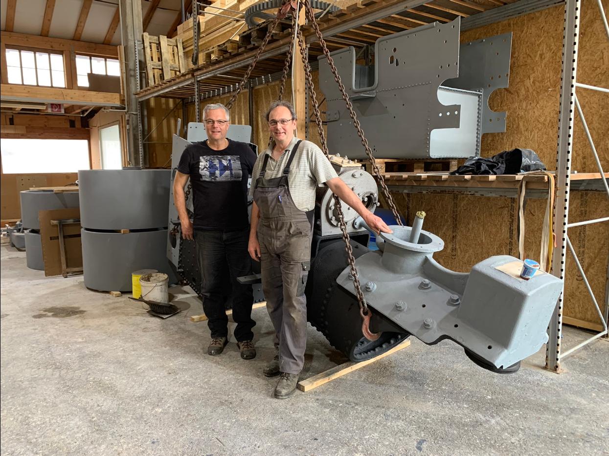 Brüder Bourginet in Werkstatt Steinen