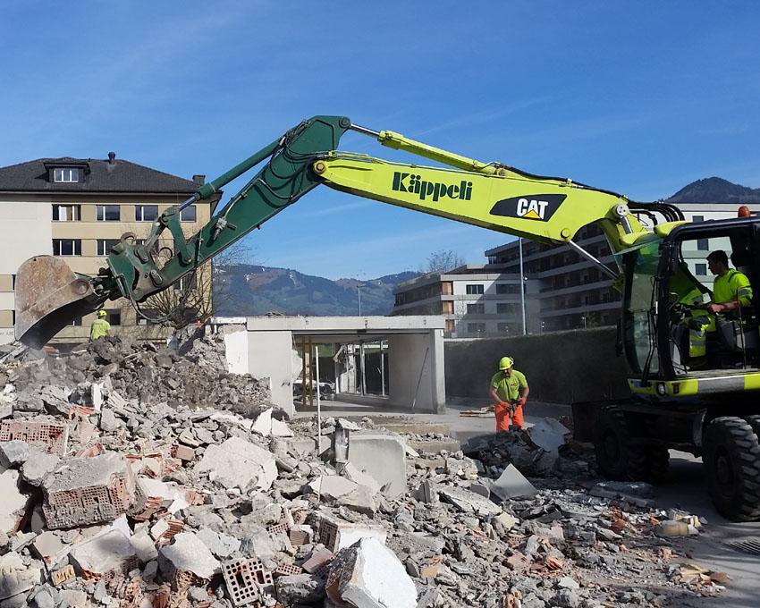 Dank sauberem Aussortieren kann viel Beton und Mischabbruch der Wiederverwendung zugeführt werde..