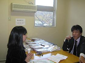 インタビューを受ける林田課長