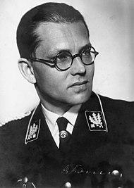 Reichsleiter Philipp Bouhler.