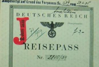 """La """"J"""" en documentos para facilitar a la policía identificar fácilmente a los judíos, Original Militaria."""