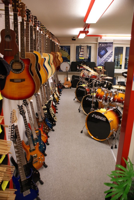 Drums, Gitarren