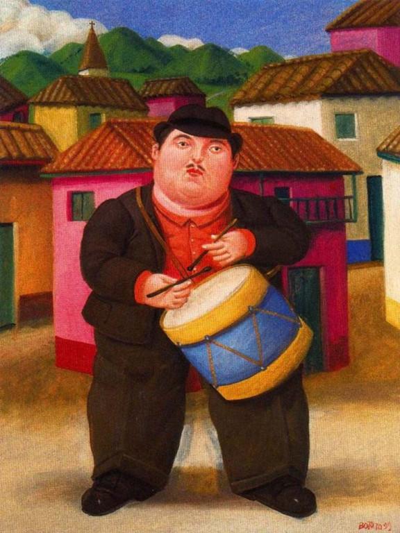 Hombre tocando tambor