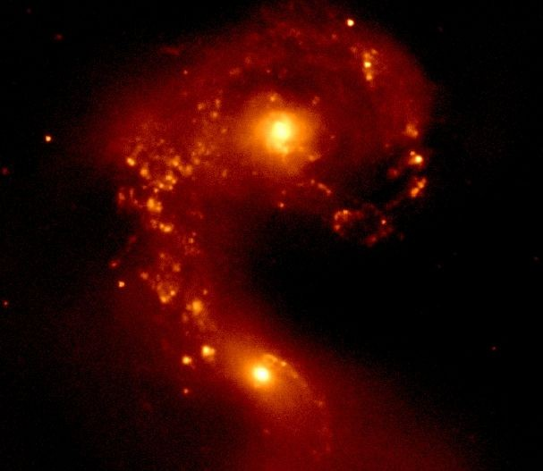Galaxia Antena infraroja