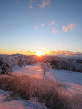 雪原の夕焼け
