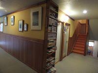 玄関の本棚