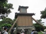 燈明堂(石垣部分は横須賀史跡、昭和63年復元)