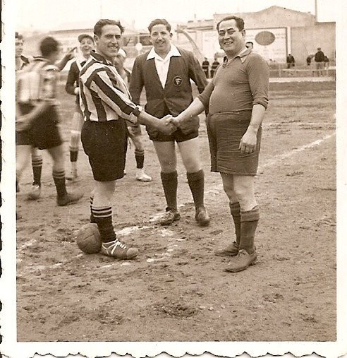 Partido de futbol entre compañeros de gremio