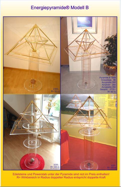 Foto: Energiepyramide als Zimmerdekoration und Blickfang im edlen Plexiglas
