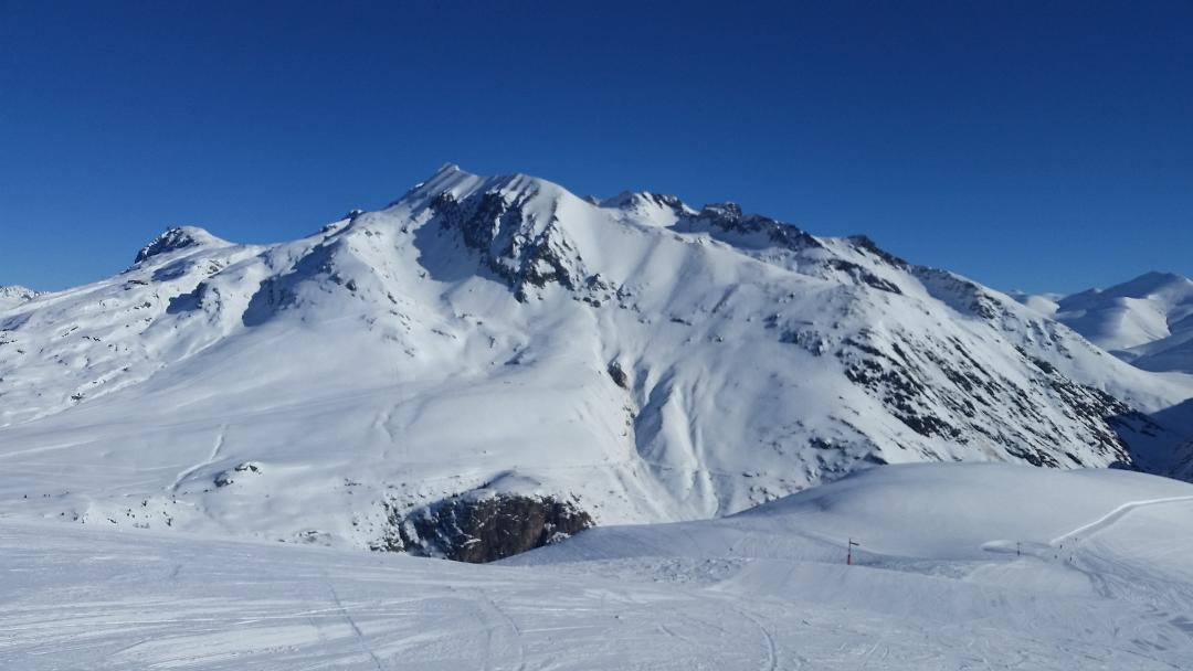 15mn to Venosc, accessing les deux alpes ski resort