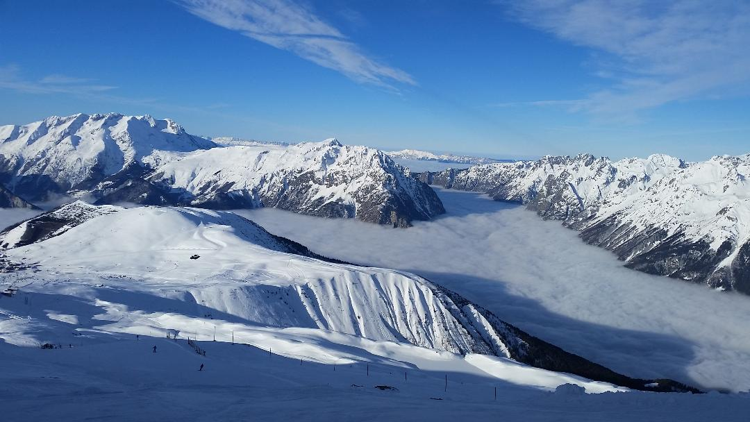 20mn from majestuous alpe d'huez ski resort