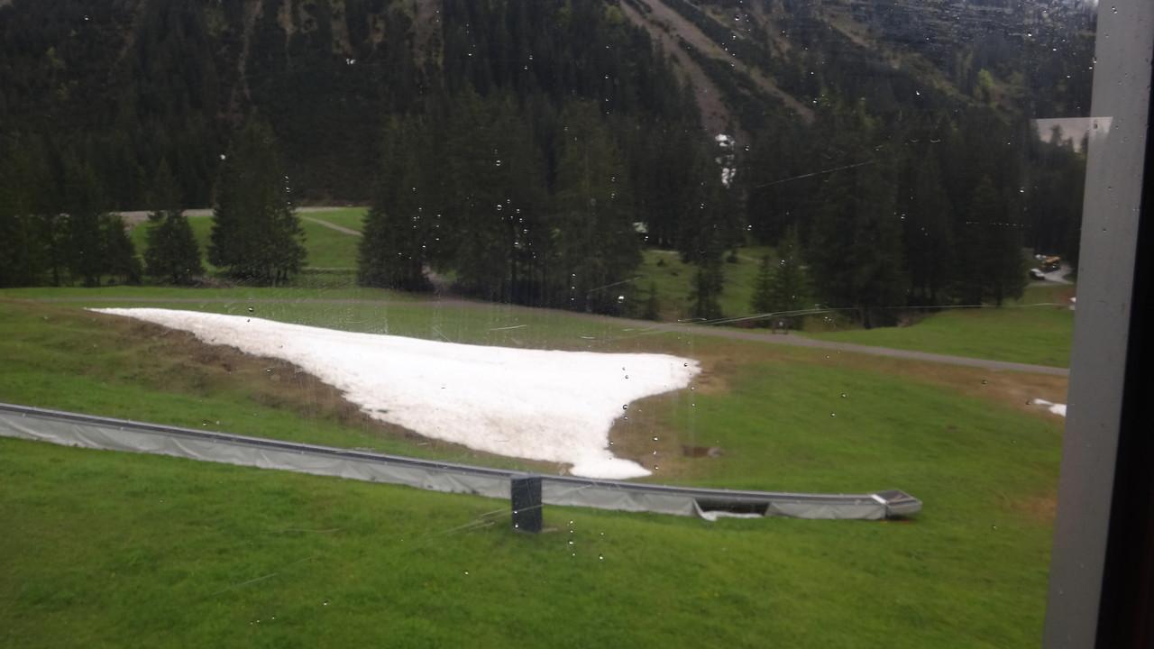 Der letzte Schnee zum Schlittenfahren