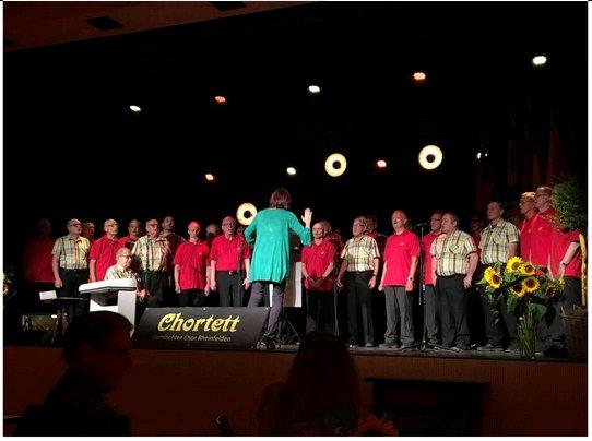 """Wittnau und Rheinfelden sangen zusammen das Lied von Udo Jürgens """"Ihr von morgen"""""""