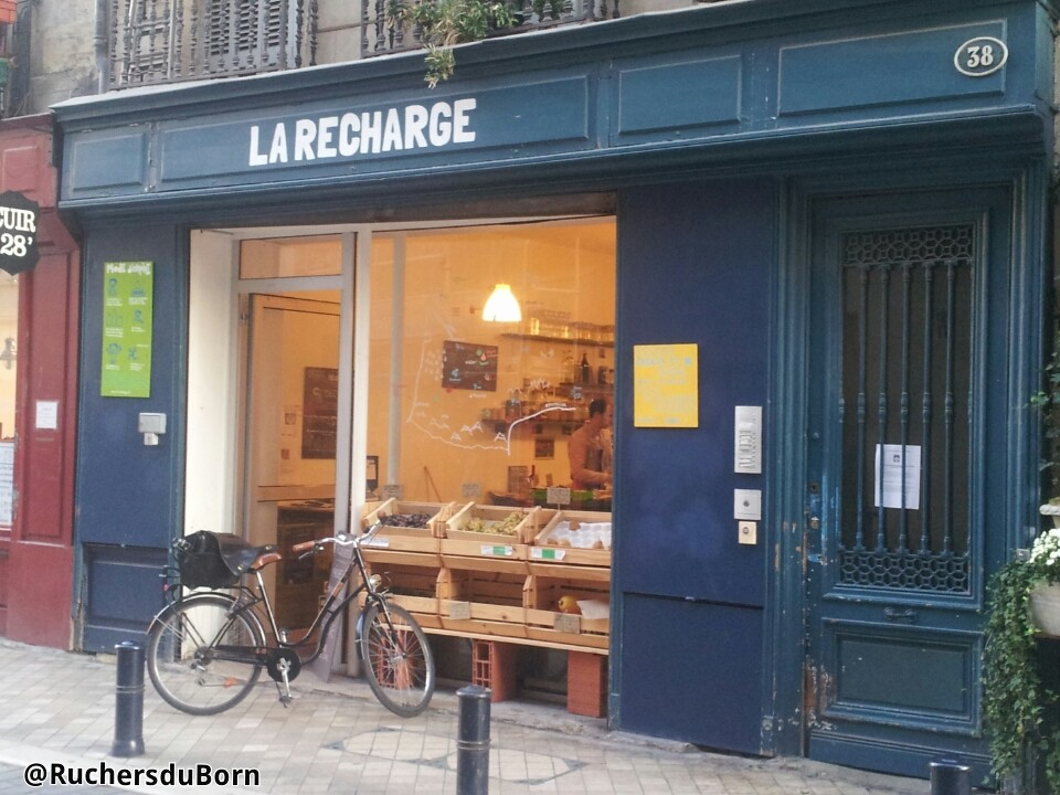 magasin La Recharge à Bordeaux (vente en vrac de notre miel de bourdaine des Landes)