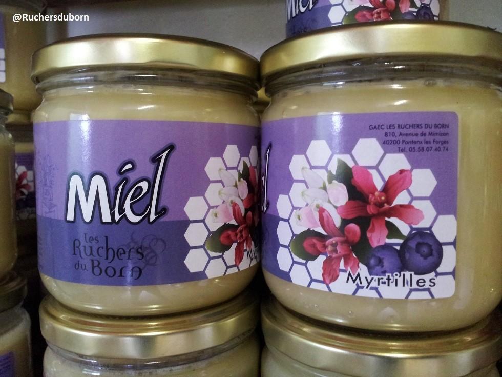pots de miel de myrtilles