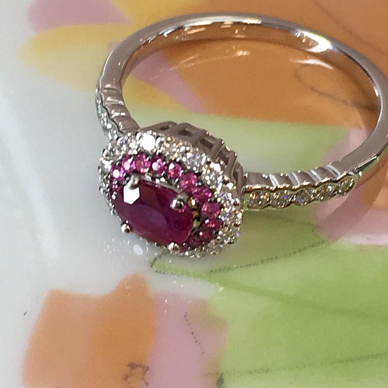 大人の華奢綺麗なリングです