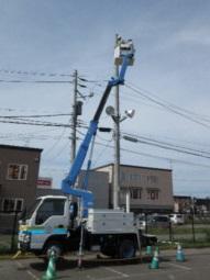 ブームを伸ばすと電柱の先端まで届きます