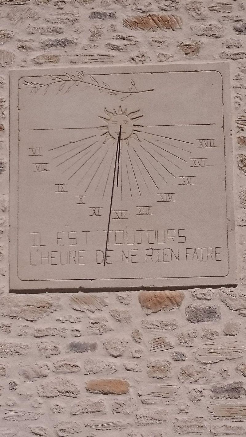 Cadran solaire décor soleil. St Maurice de Cazevielle