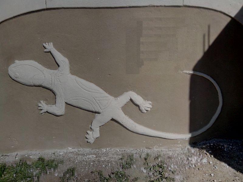 Salamandre stylisée tribal. St Marcel sur Aude