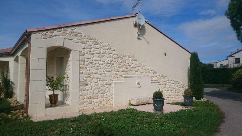 Villa enduit imitation pierre