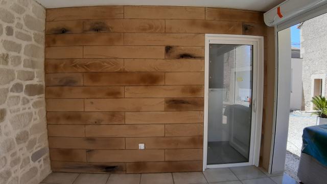 Enduit imitation bardage bois sculpté main (sans matrice ni rouleau à structure)