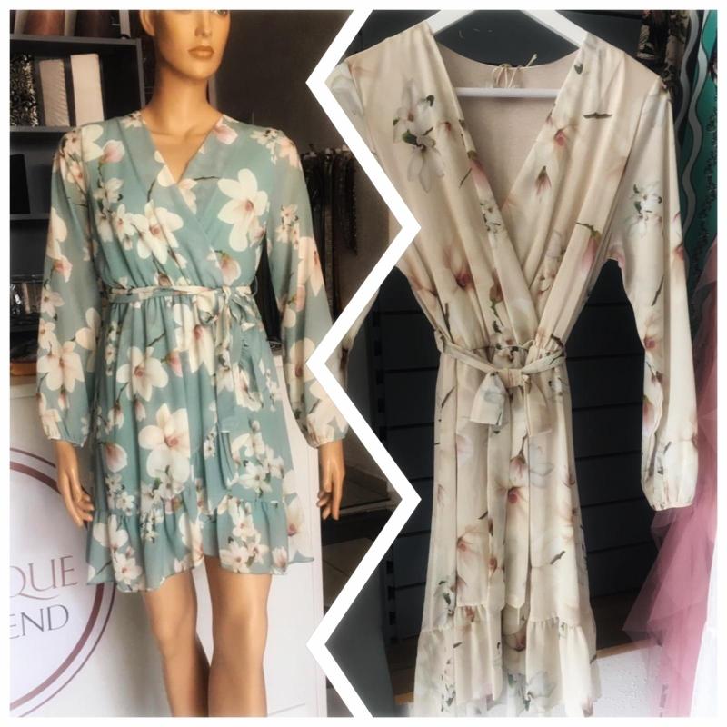 Kleid lindgrün oder creme 69.90€
