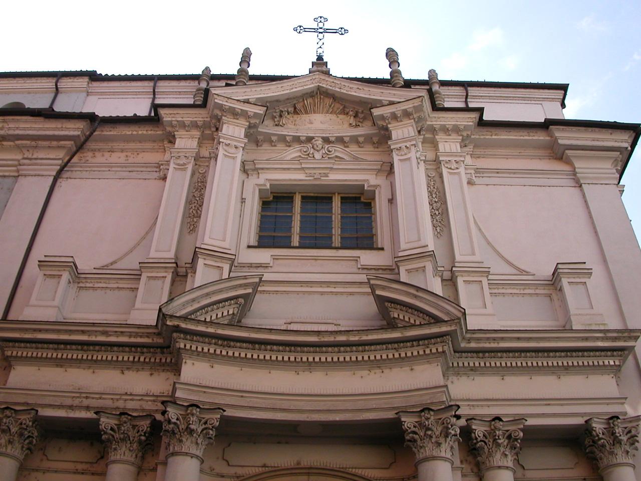 Facciata della Chiesa su via Piave anno 2000