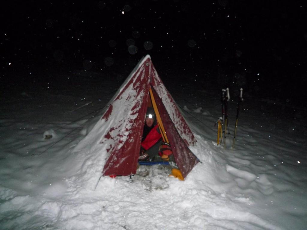 Schneefall im Basecamp in den letzten beiden Nächten - wir wollen hier weg....