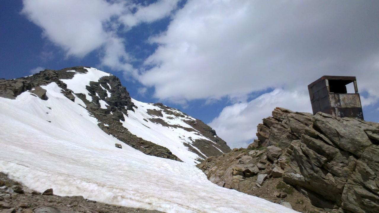 Es gibt sogar ein Wachhäusle in 3100m Höhe