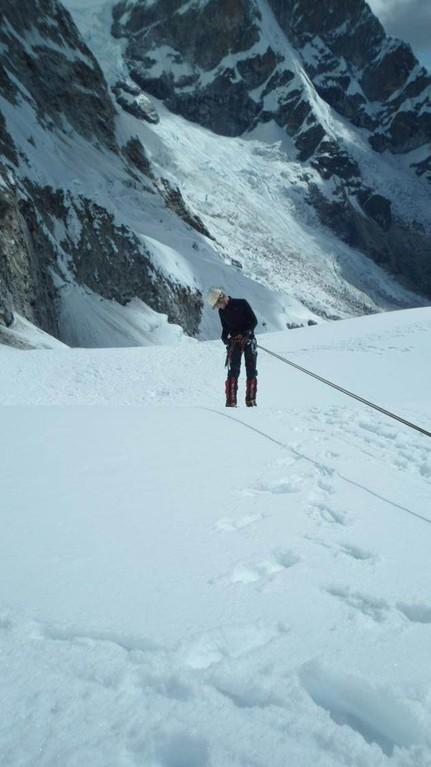 einige Sekunden bevor es passiert.... ein schwerer Bergführerfehler lässt Karl 6-8meter ungebremst abstürzen