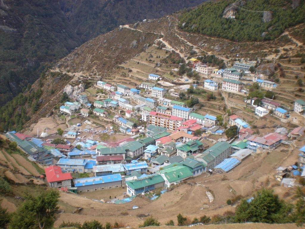 Namche Basar wie ein riesiges Theater auf 3440m