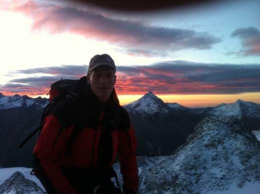 4:30 Uhr Aufstieg Sonnenaufgang Karl beim Anstieg zum Alalinhorn über den Hohlaubgrat