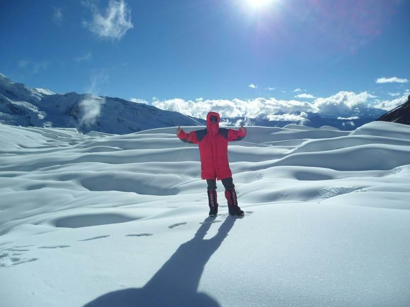 TOP Wetter (ca. -5C, Sonne LSF 50 ist Pflicht) im Gletscherbecken auf 5300m