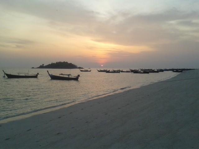 Sonnenaufgang an unserem Strand