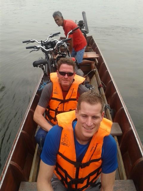 übersetzen mit dem Longtailboat