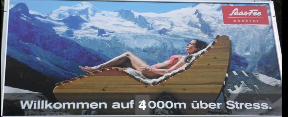 tolles Werbeplakat am Eingang von Saas Fee (habe etwas nachgeholfen)