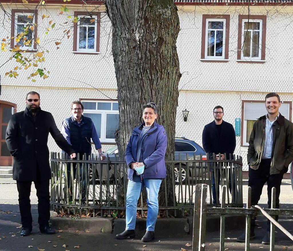 Schlossstraße: Linde retten und zurück zum alten Charme