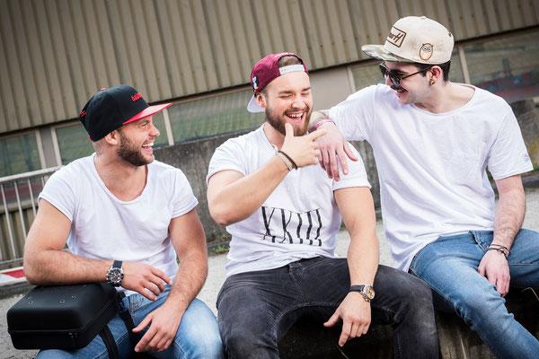 Drei Dudes am Abhängen mit seimoH Cap