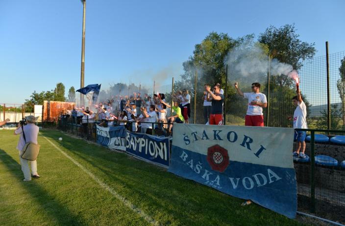 Quelle: https://dalmatinskiportal.hr/sport/baska-voda-ima-sampione--urania-prvak-1--zupanijske-lige/21994
