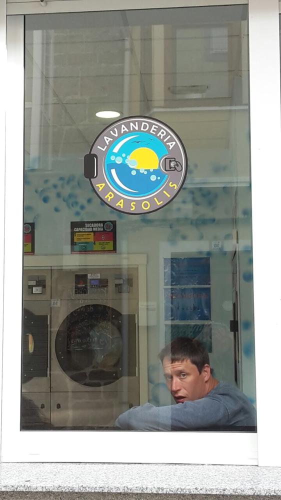 Jürgen beim Wäschewaschen