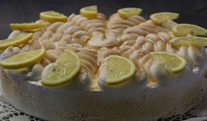 Zitronen Baiser Torte Hierzulande
