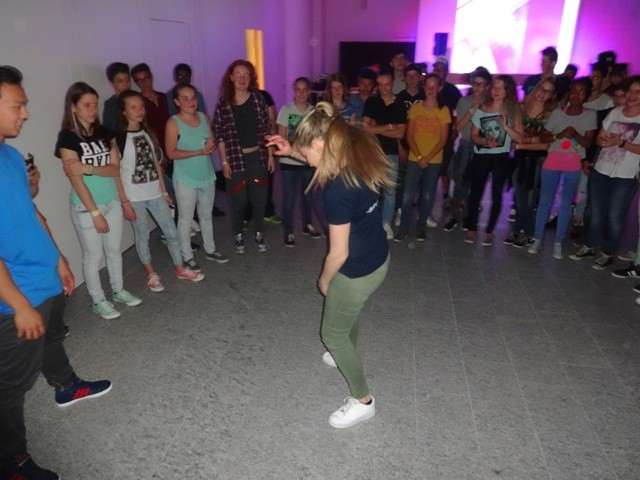 Dance-Battle in der Disco
