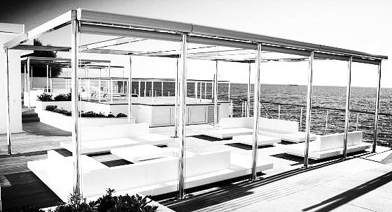 Salon de Jardin Polyester lignes épurées Villa Cap d'Antibes