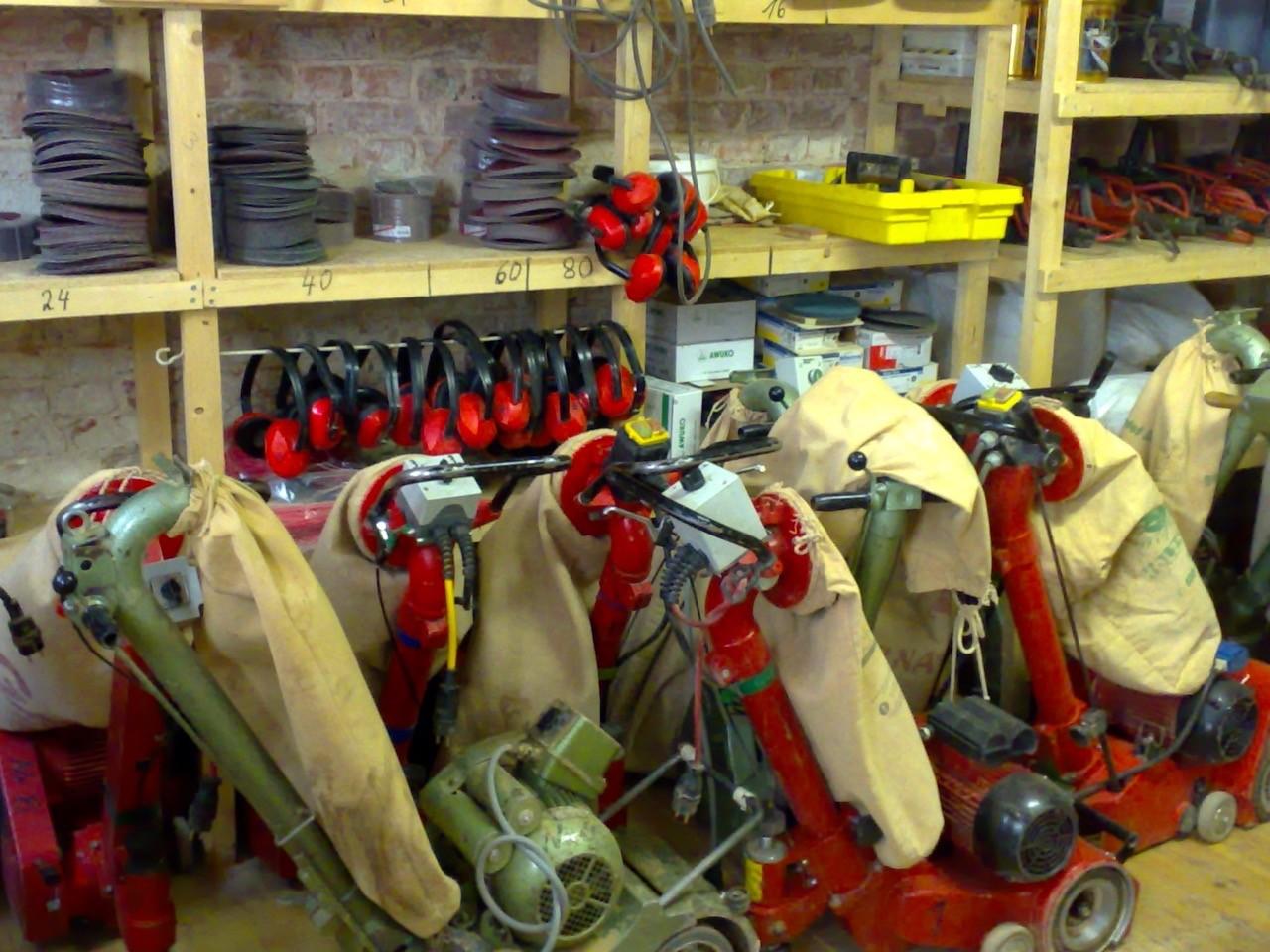 Parkettschleifmaschinen im Schleifset 1 für 5 € pro Tag oder 10 € das Wochenende (Fr-Mo)