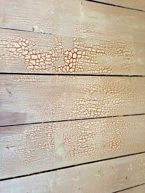 Dielen mit Ochsenblut mit Holzfussbodenlack aus dem Bauhaus weiß lackiert