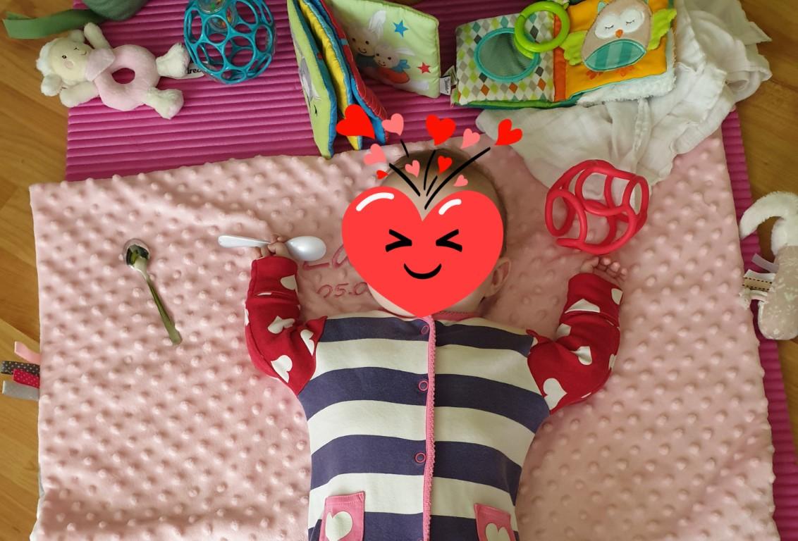 Langeweile bei Babys im 2. bis 6. Monat: Spielen und Singen - fördere ich als Mama genug?