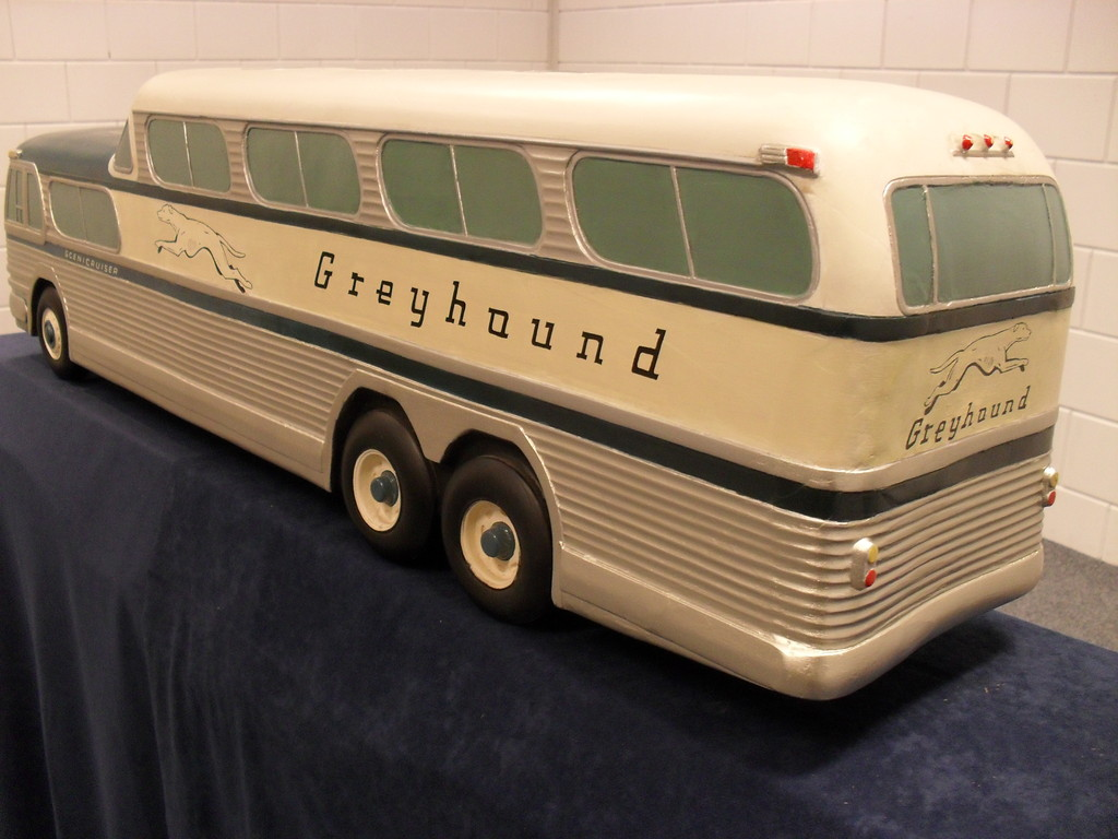 greyhound model | foto Sagrado Restauratie | voltooide restauratie