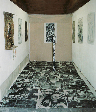Installation zu Compassion 2003 in Salzburg