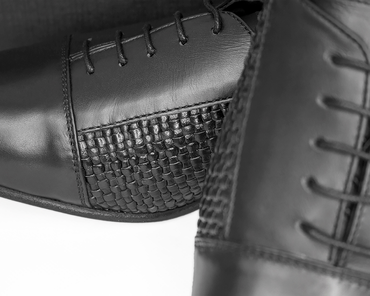 WOVEN ITALIAN LEATHER