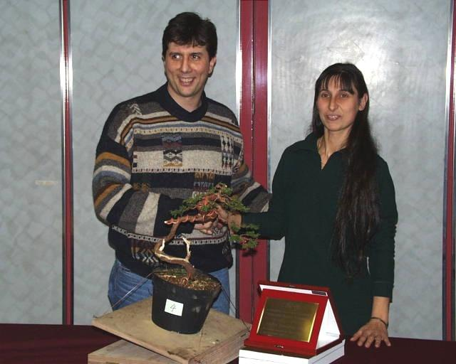 Mauro Ariosto 'Miglior bonsaista 1999' premiato da Marina Pavanello